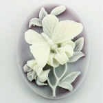 Plastic Cameo - Butterfly Oval 40x30MM WHITE ON AMETHYST FS