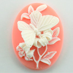 Plastic Cameo - Butterfly Oval 40x30MM WHITE ON ANGELSKIN